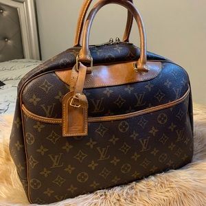 Authentic Louis Vuitton Monogram Deauville